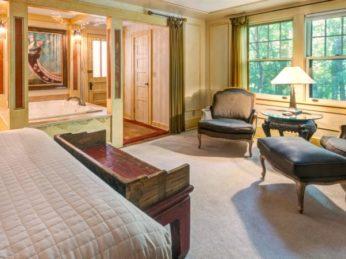 The Paris Room, Zen Asheville Inn & Spa Retreat